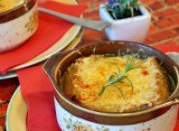 cibulačka polévka cibulová
